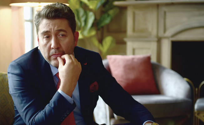 "Емре Кънай ще гостува в ""Червена стая"" (Kırmızı Oda)"