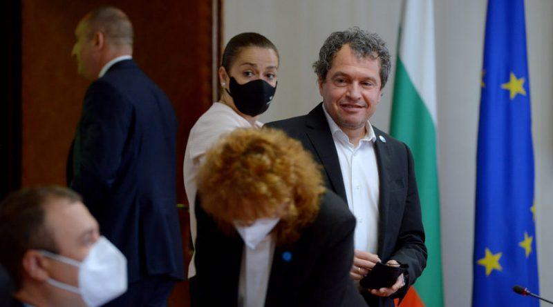"""Избори 2021: """"Има такъв народ"""" ще предложи кабинет, Слави Трифонов не иска да е премиер"""